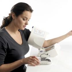 Tensiomètre électronique au Bras OMRON Spot Arm iQ-142